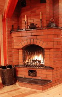Öfen und Kamine bieten eine besondere Art von Wärme, die viele als behaglicher empfinden